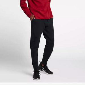 Nike NWT Black Joggers Sweats